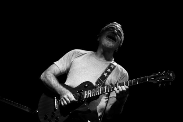 """O guitarrista Alex Madureira no projeto """"Noites Sonoras"""""""